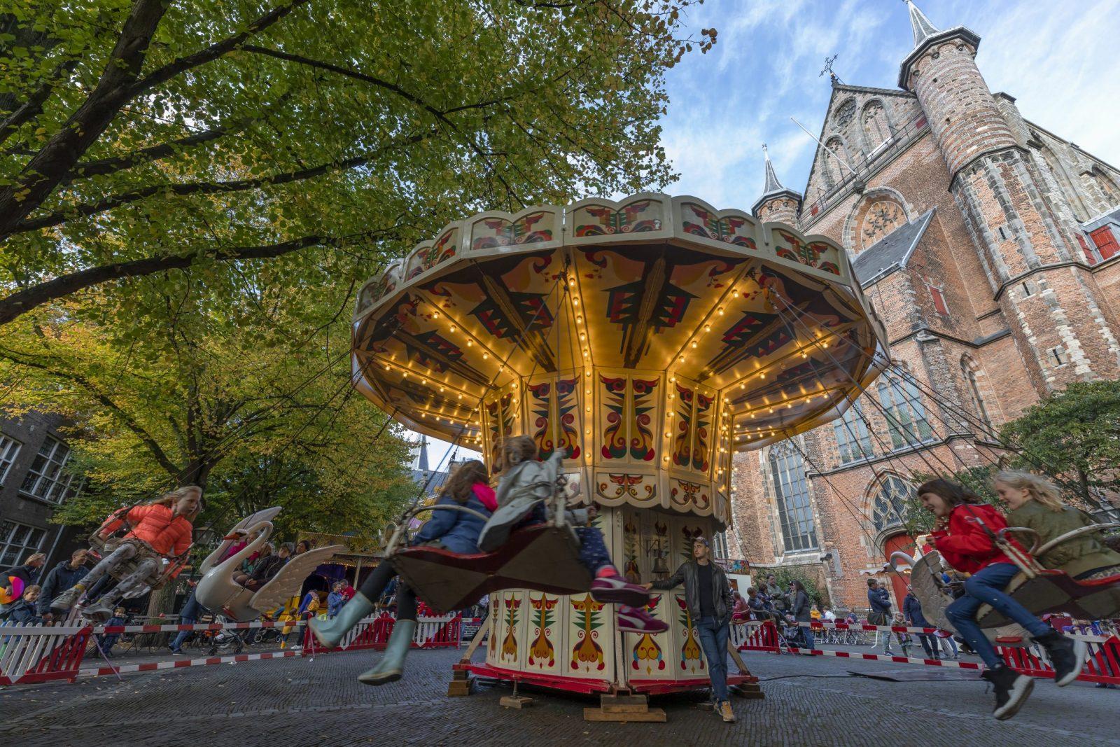 Leiden, Pieterskerkhof, nostalgische kermis