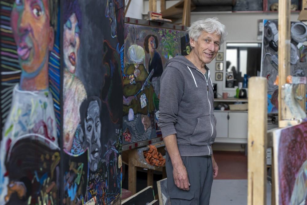 Christiaan van Tol, beeldend kunstenaar, in zijn atelier aan de Rooseveltstraat in Leiden